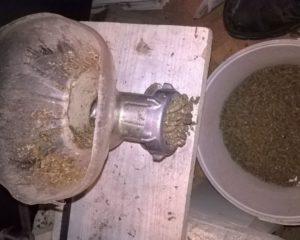 Как сэкономить на добавках и собрать гранулятор для комбикорма своими руками