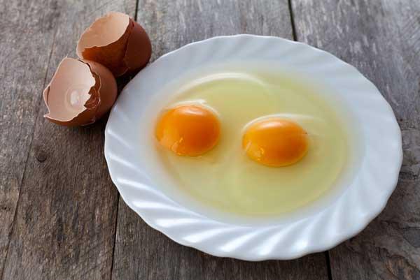 Разбили два яйца